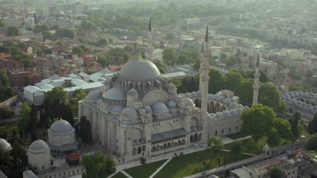 aerial of suleymaniye mosque in istanbul - suleymaniye mosque stock videos and b-roll footage