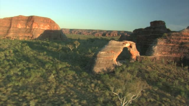 aerial of the bungle bungle range, purnululu national park, australia - western australia bildbanksvideor och videomaterial från bakom kulisserna
