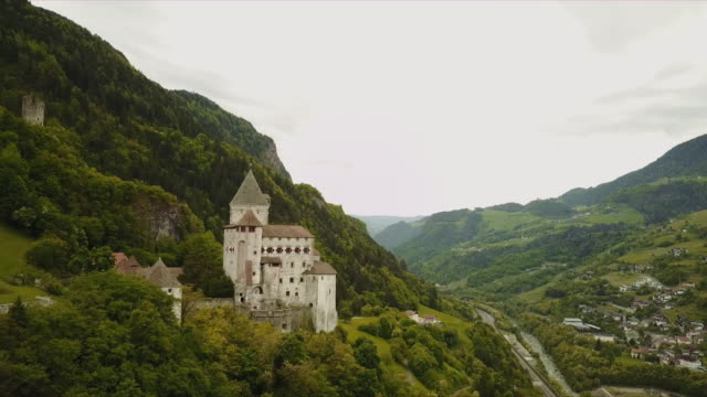 aerial of trostburg castle in south tyrolia - 城点の映像素材/bロール