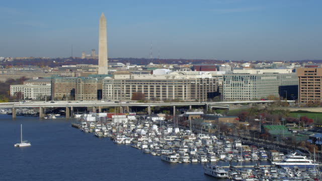 aerial of washington dc - washington monument washington dc stock videos & royalty-free footage
