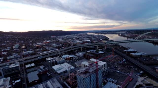 aerea oregon portland - fiume willamette video stock e b–roll