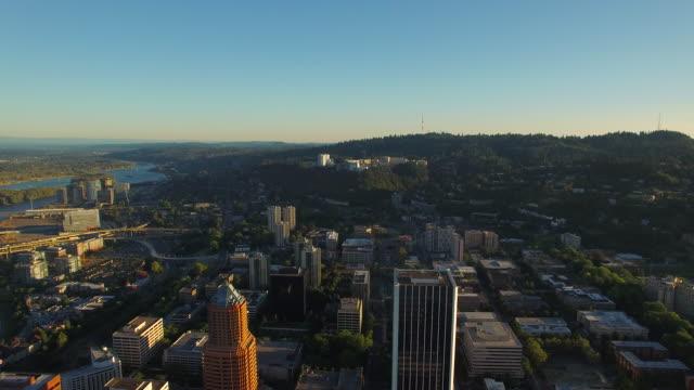 空から見たオレゴン州ポートランド - portland oregon点の映像素材/bロール