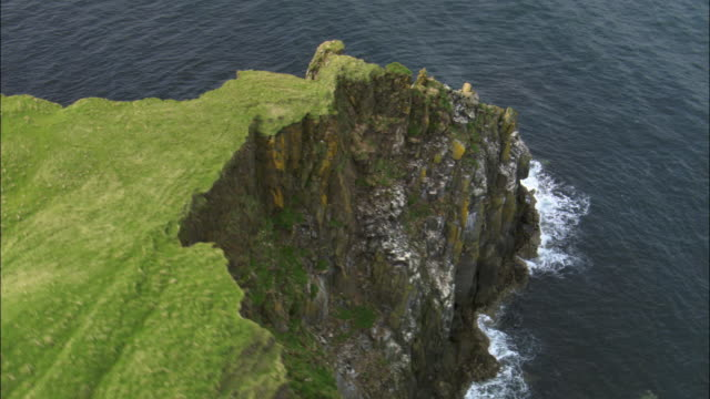 aerial over cliffs of shiants in outer hebrides, scotland, uk - coastline stock videos & royalty-free footage