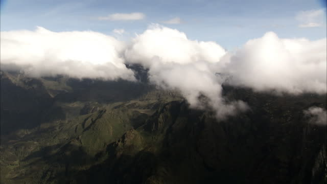 aerial over cloud, mountains and valley, rwenzori, uganda - valley stock videos & royalty-free footage