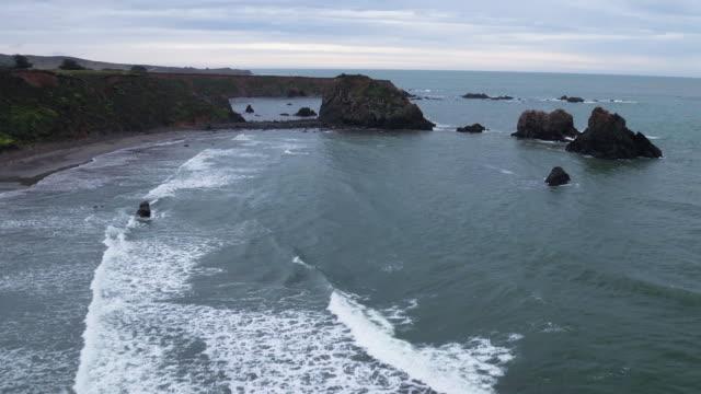 aerial over ocean - 50 sekunder eller längre bildbanksvideor och videomaterial från bakom kulisserna