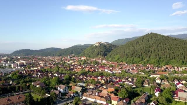 aerial over rasnov citadel, romania - siebenbürgen stock-videos und b-roll-filmmaterial