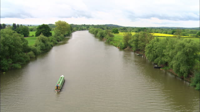 aerial over river severn, worcestershire, uk - river severn stock videos & royalty-free footage