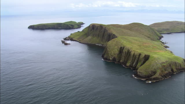 aerial over shiants in outer hebrides, scotland, uk - hebrides stock videos & royalty-free footage
