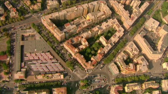 vidéos et rushes de aerial over suburban neighborhoods / rome, italy - vue en plongée