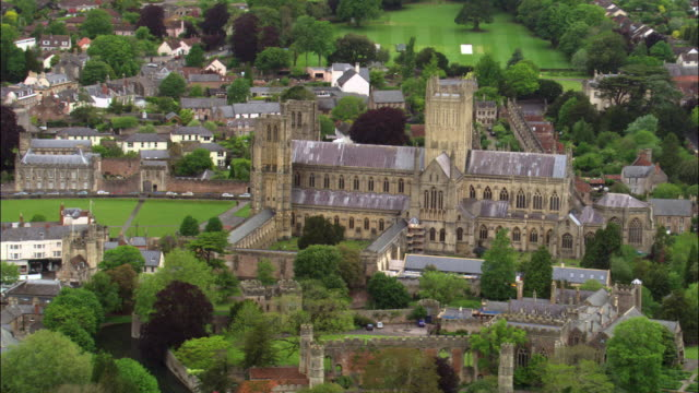 aerial over wells cathedral, somerset, uk - somerset stock videos & royalty-free footage