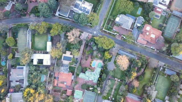空中オーバーヘッド大都市、ヨハネスブルグ、南アフリカ - ヨハネスブルグ点の映像素材/bロール