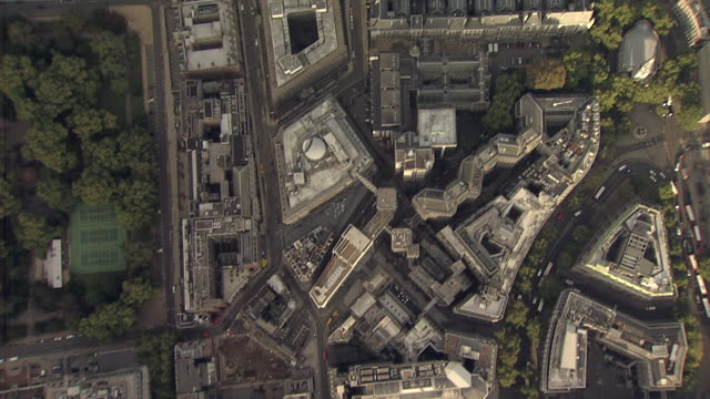 """""""aerial overhead tracking shot holborn, aldwych and royal courts of justice"""" - royal courts of justice stock videos & royalty-free footage"""