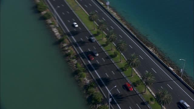 aerial overhead view macarthur causeway bridge miami - macarthur causeway bridge stock videos & royalty-free footage