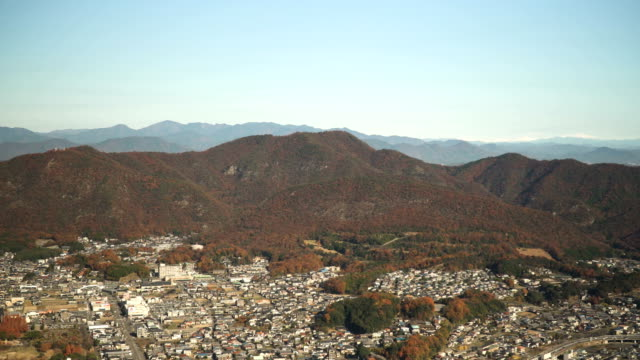 岐阜県岐阜市に属する山脈のパン空撮 - mountain range点の映像素材/bロール