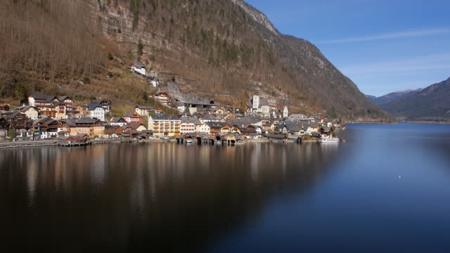 Aerial pass in front of Hallstatt