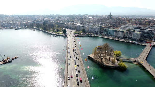 aerial photo of traffic in geneva, switzerland - insel stock-videos und b-roll-filmmaterial