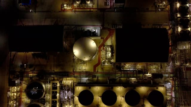 vídeos de stock e filmes b-roll de aerial photographs of oil refineries, refinery plants, refinery industry power investment business concept - petroquimica
