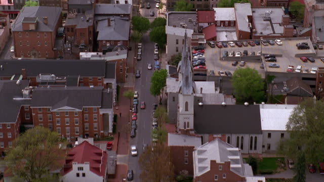 aerial point of view over residential area of baltimore, maryland - baltimore maryland bildbanksvideor och videomaterial från bakom kulisserna