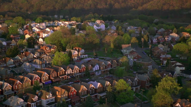 stockvideo's en b-roll-footage met aerial point of view over suburban pittsburgh / pennsylvania - pennsylvania