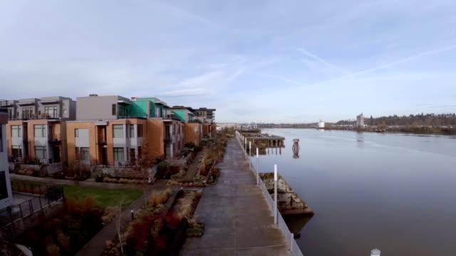 vídeos de stock e filmes b-roll de antena portland nw - rio willamete