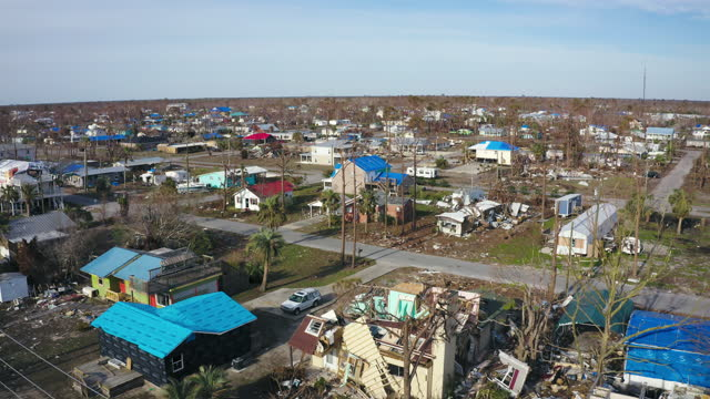 stockvideo's en b-roll-footage met aerial, pov, aftermath of the hurricane michael, mexico beach, fl, usa, 2018 - orkaan