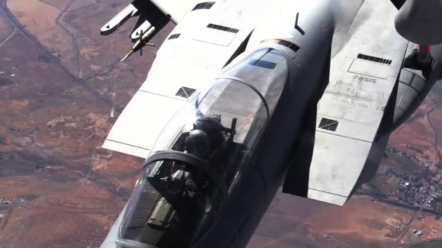 aerial refuel of f15 eagle by kc135 stratotanker - mcdonnell douglas f 15 eagle stock videos & royalty-free footage