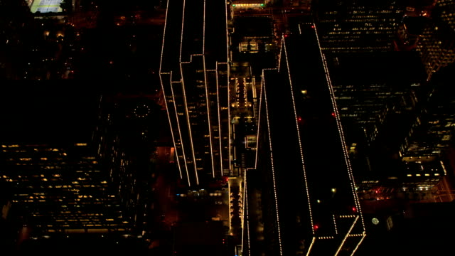 aerial rooftop view illuminated city traffic san francisco - traffic点の映像素材/bロール