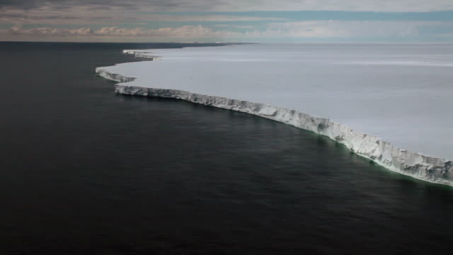 aerial ross ice shelf edge, ross sea, antarctica  - antarctica stock videos & royalty-free footage