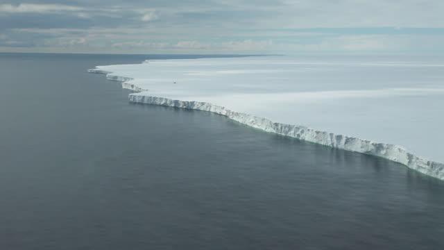 aerial ross ice shelf, ross sea, antarctica  - ross sea stock videos & royalty-free footage