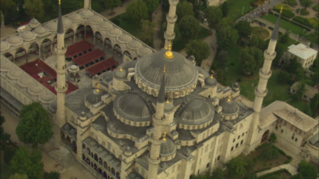 aerial rotate around suleymaniye mosque - moschea video stock e b–roll