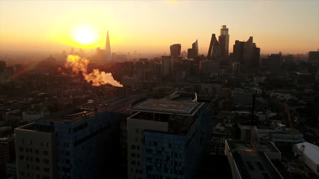 aerial royal london hospital at sunset during coronavrius pandemic - elevated view stock videos & royalty-free footage