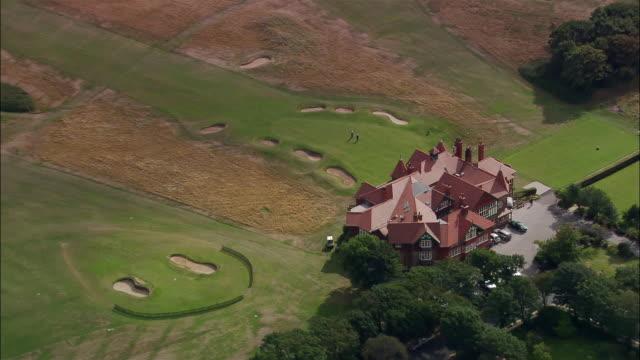 aerial royal lytham and st. anne's golf club/ lancashire, england - リザムセントアンズ点の映像素材/bロール