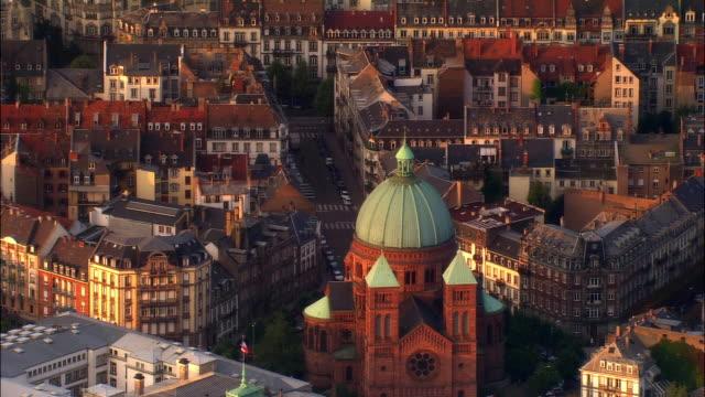 vidéos et rushes de aerial ws saint pierre le jeune church and surrounding city / strasbourg, alsace, france - strasbourg