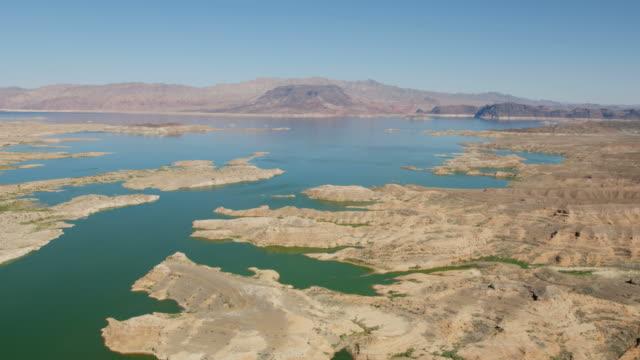 vidéos et rushes de aerial scenic view of lake mead las vegas - fleuve colorado
