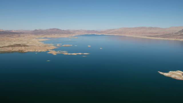 aerial scenic view of lake mead las vegas - lake mead video stock e b–roll