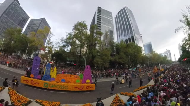 aerial shot of a day of the dead parade - ジャスパー国立公園点の映像素材/bロール
