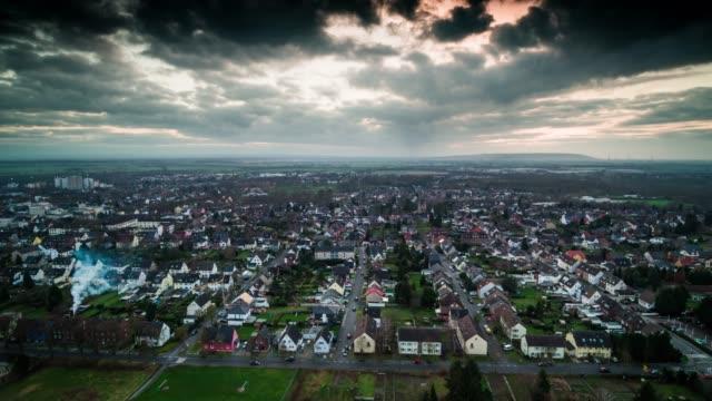 ドイツの町の空中ショット - ノルトラインヴェストファーレン州点の映像素材/bロール