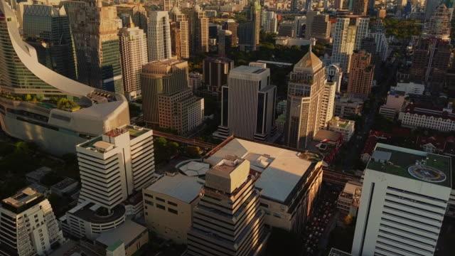 夕方のバンコクの空中写真,タイ - クワッドコプター点の映像素材/bロール