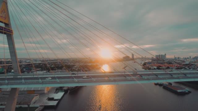 空から見たバンコクの産業 ring road の橋 - 宗教上のシンボル点の映像素材/bロール