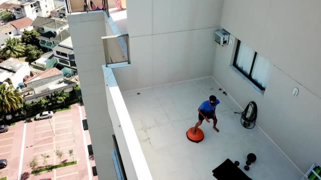 aerial shot of brazilian swimmer guilherme costa exercising during a training session at afbndes - clube da barra amidst the coronavirus pandemic on... - 800 metre stock videos & royalty-free footage