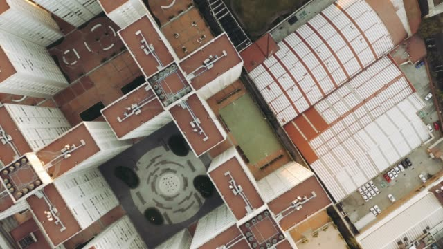 aerial shot of building blocks in mexico city - sezione superiore video stock e b–roll