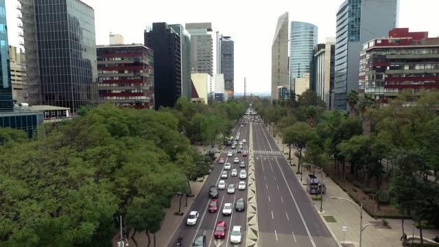 vídeos de stock, filmes e b-roll de foto aérea de carros na cidade do méxico - cidade do méxico