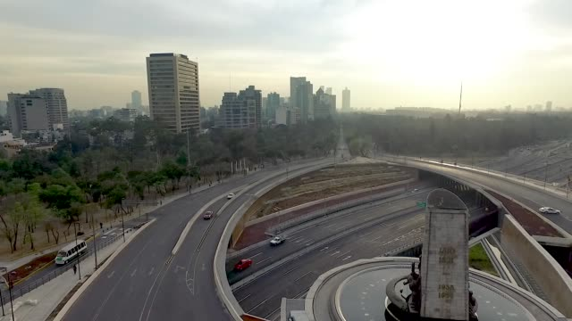 Aerial shot of cars in Mexico City