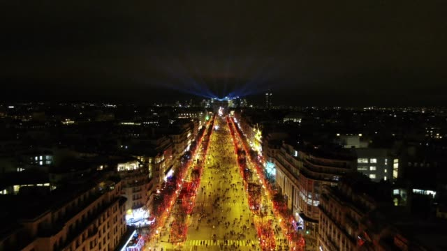 aerial shot of champs elysees at night - フランス点の映像素材/bロール