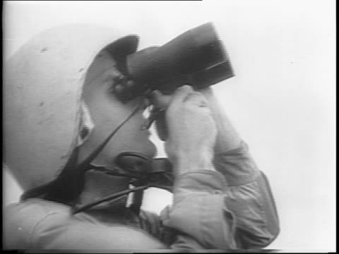 vidéos et rushes de aerial shot of islands below / aerial shot of four grumman tbf avengers torpedo bomber planes in formation / wide shot of planes flying over aircraft... - vaisseau de guerre