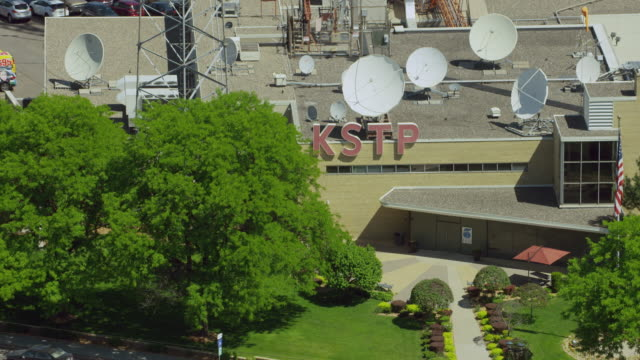 aerial shot of kstp-tv station in minneapolis - ミネソタ州点の映像素材/bロール