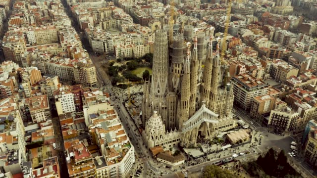 Toma aérea de la Sagrada Familia, Barcelona.