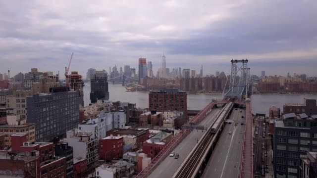 vídeos de stock, filmes e b-roll de aerial shot of new york city - williamsburg new york