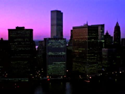 luftbild von der skyline von new york - 1984 stock-videos und b-roll-filmmaterial
