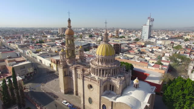 aerial shot of one side of the san antonio de padua church in aguascalientes - church stock videos & royalty-free footage